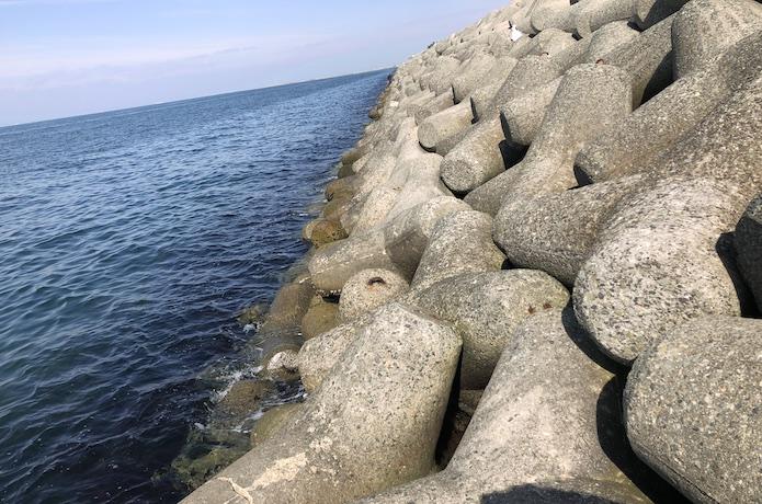 貝塚人工島 テトラ